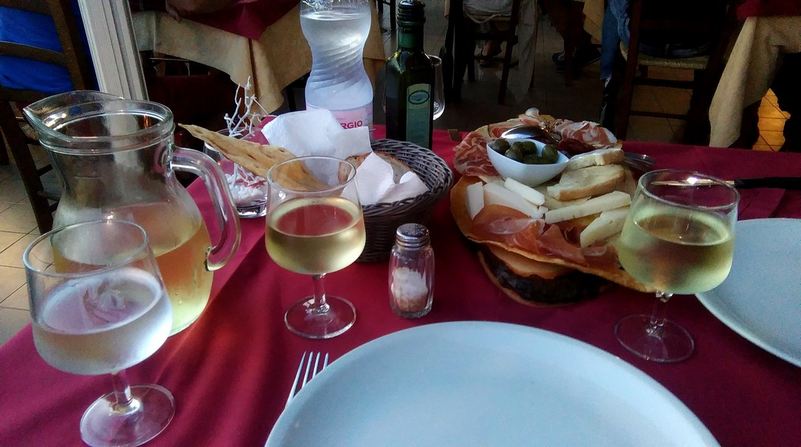 vinho de la casa z dodatkami, Sardynia