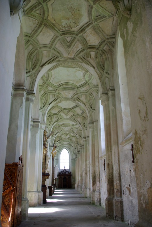 wnętrze bazyliki, Klasztor Kladruby, Czechy