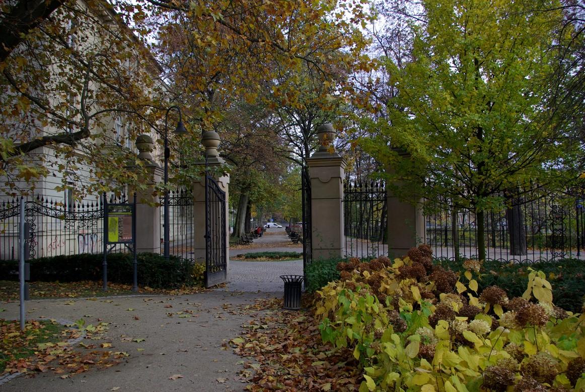 Wejście do Parku Mikołaja Kopernika