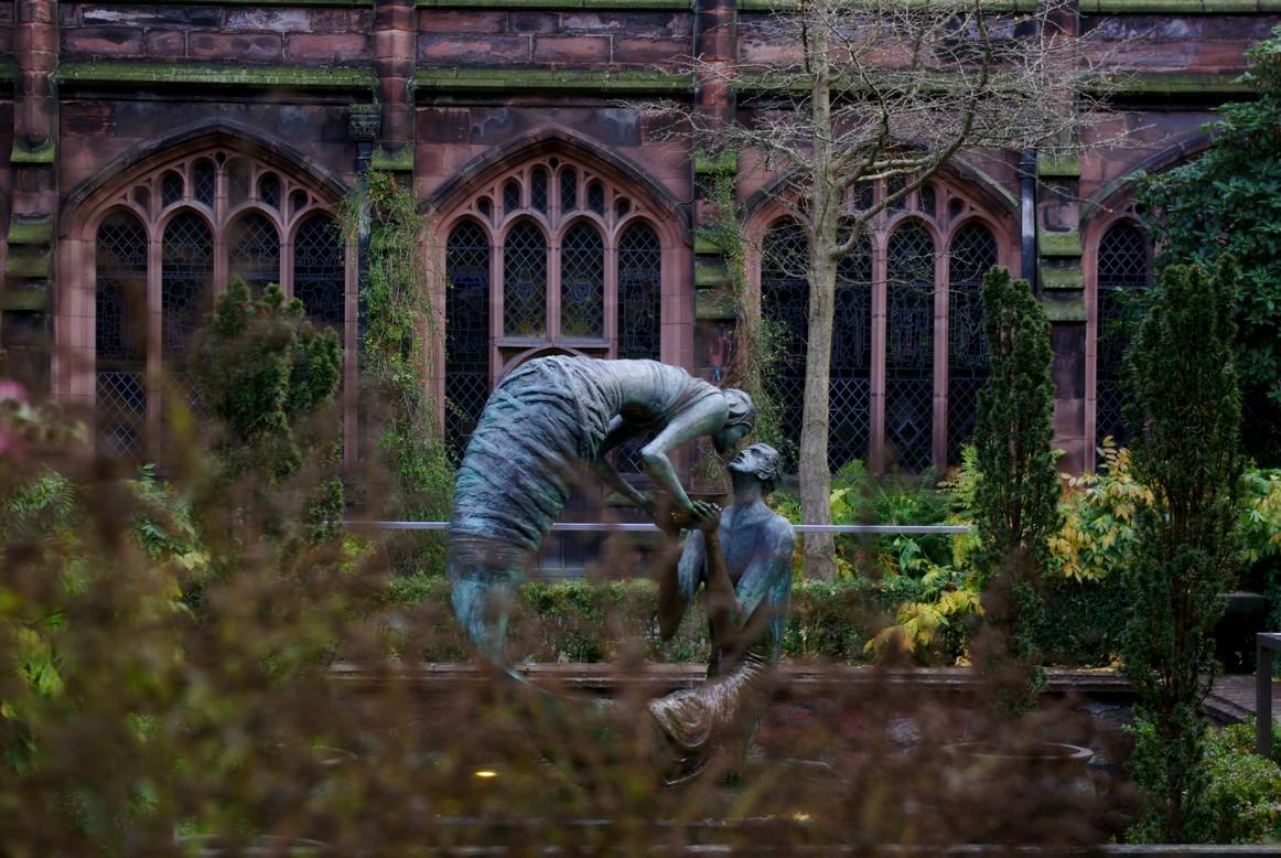 Rzeźba kochanków w katedrze, Chester