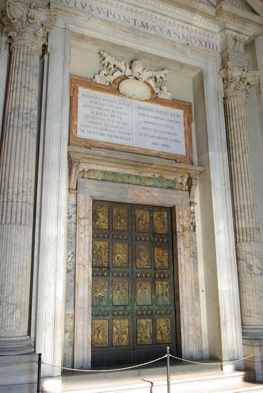 Drzwi papieskie, Watykan