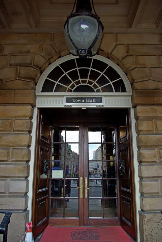 Drzwi wejściowe do ratusza, Liverpool